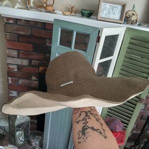 🌠3/$12 or FREE🌠 Beachy oversized floppy sun hat